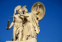 griechische Göttin Athene schützt den Helden Achill im Trojanischen Krieg