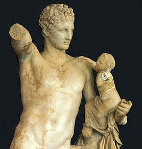 Hermes und Dionysos sind beide Söhne von Zeus - also Brüder.