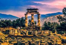 Orakel von Delphi, ca 150 km nw von Athen gelegen.