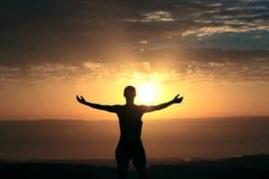 Die Sonne ist schon seit den alten Ägyptern ein wichtiges Symbol fürf spirituelle Entwicklung.