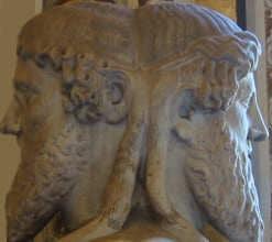 römischer Gott aller Anfänge, Türen und Tore