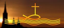 Die Taufe wird begleitet von den wichtigsten Symbolen des christlichen Glaubens