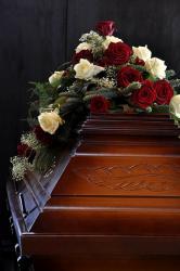 Feste feiern - in Europa werden Beerdigungen als Trauerfeiern begangen