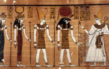 Osiris ganz rechts - der ägpyptische Totengott
