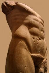 Apollon - archaischer Torso Apoll